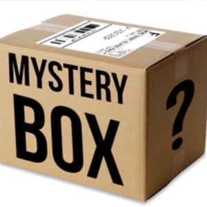 Other - 🍀NEW! 15 piece mystery beauty box + MAKEUP BAG